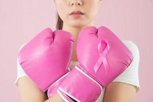 El tratamiento del cáncer de mama va a ser con cirugía, quimioterapia, radioterapia y terapias adyuvantes.