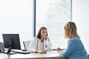 Si tienes una molestia desde hace tiempo, de forma injustificada y tu automedicación no te ha funcionado, acude, por favor, a visita médica.