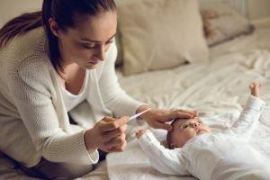 El factor desencadenante de un exantema súbito consiste en mantener contacto con otro niño infectado por el virus.