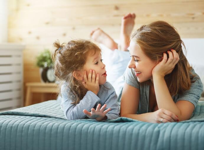 • Si buscamos trabajar de manera más específica la morfosintaxis, podemos proponer al niño ejercicios como ordenar palabras para construir una frase.