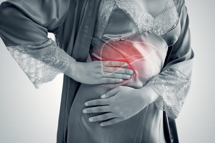 Hay múltiples causas de cirrosis: todas aquellas que provoquen daño e inflamación de los hepatocitos, las células que lo conforman.