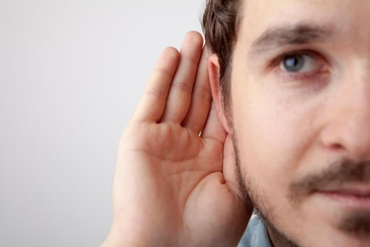 Se considera que, en Europa, millones de personas están expuestas a niveles de ruido ambiental que los expertos y profesionales del sector consideran demasiado elevados .