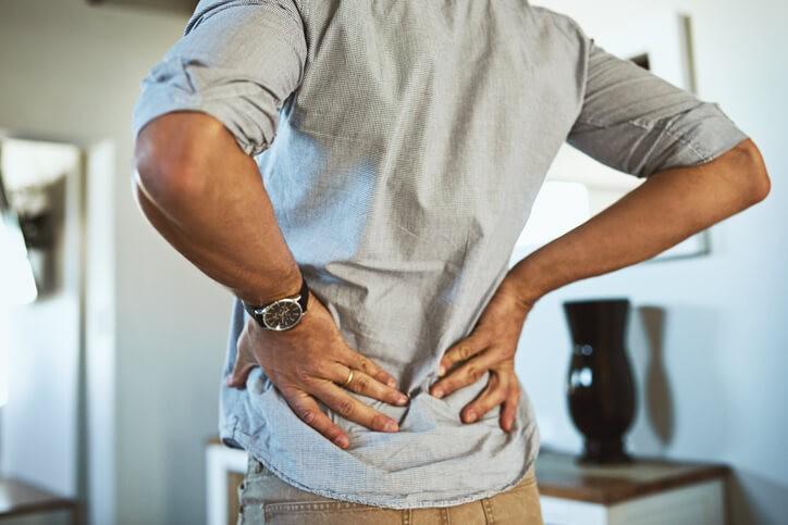 El dolor lumbar tiene múltiples causas, diferenciar el tipo de dolor y la zona que nos duele puede ayudarnos a tener una idea más clara de qué estructura es la protagonista de esta situación.