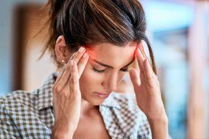 Dolor de cabeza sinusal detrás del ojo