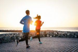 La práctica de running es una muy buena alternativa durante las vacaciones, pero debemos tener presentes varios aspectos.