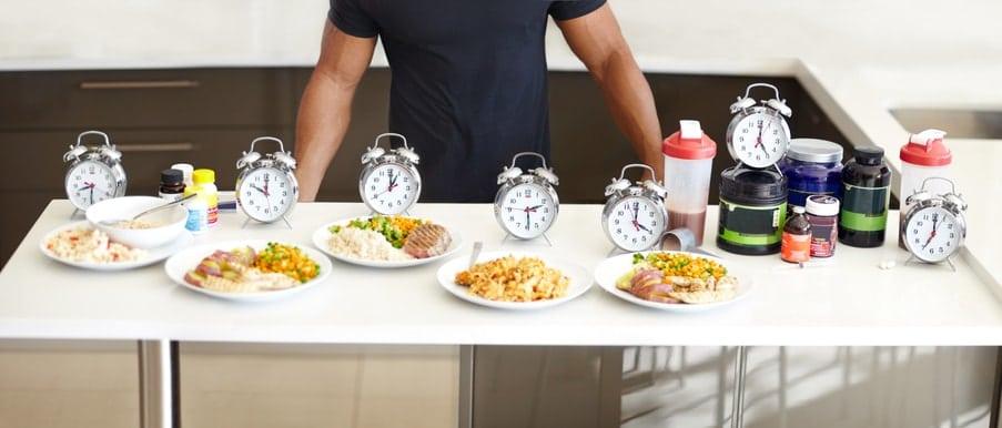 La alimentación de un deportista de alto rendimiento debe personalizarse según el tipo de deporte que practica, la carga de cada entrenamiento y según su peso.